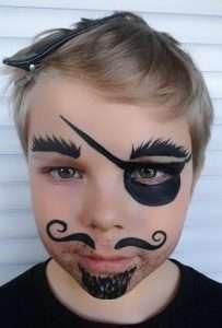 Piraten-Schminkvorlage: Augenklappe schminken